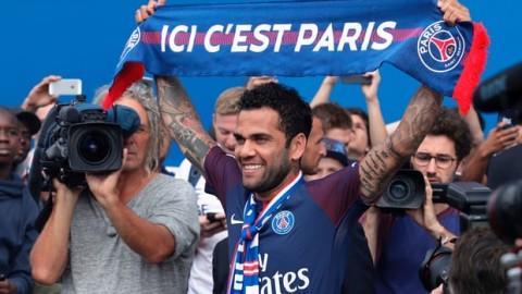 Dani Alves signs for Paris Saint-Germain after turning down Manchester City