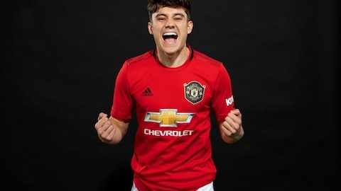TOP FIVE FOOTBALL TRANSFERS: TRANSFER NEWS 2019